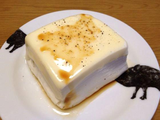 とうふにチーズをのせてチンするとうまい