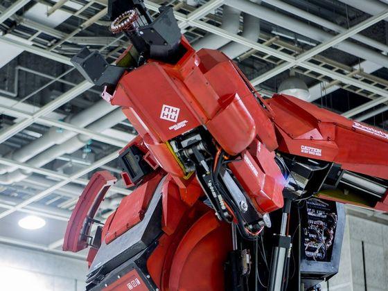 Amazonで最高値の巨大ロボット「クラタス スターターキット」