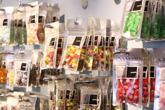 パパブブレ中野店のフルーツキャンディ