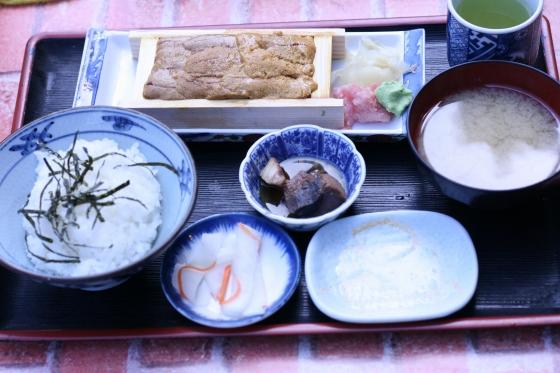 鈴木水産の生うに定食