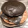 バーガーキングの「まっ黒バーガー」はこってりテリヤキバーガーだった