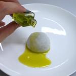 たねやの「オリーブ大福」がオシャレで美味しい