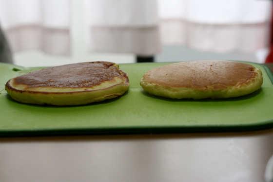 ホットケーキをふわふわに焼きあげる3つの方法