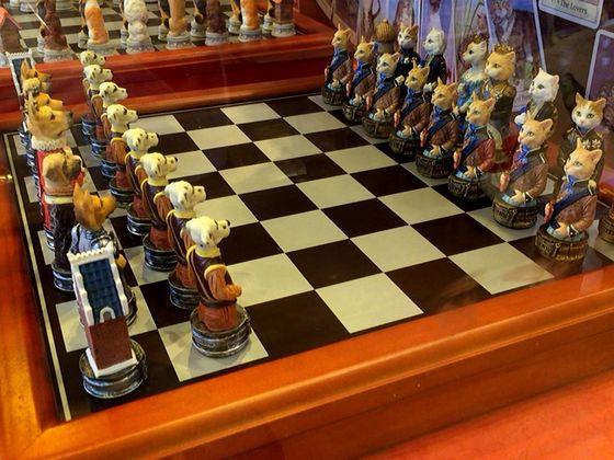 犬と猫のチェスセット