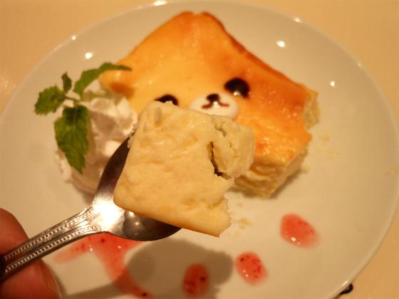 リラックマカフェのコリラックマチーズケーキ