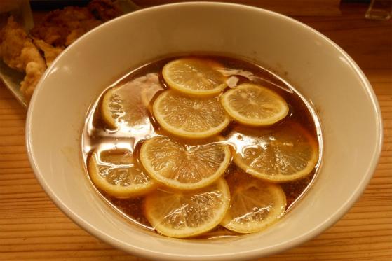 りんすず食堂のレモンラーメン