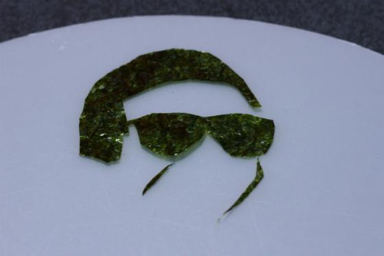 のりでサングラス